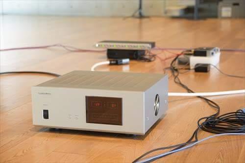 使用クリーン電源:ラックスマン「ES-1200」(収録機材の全電源に使用)